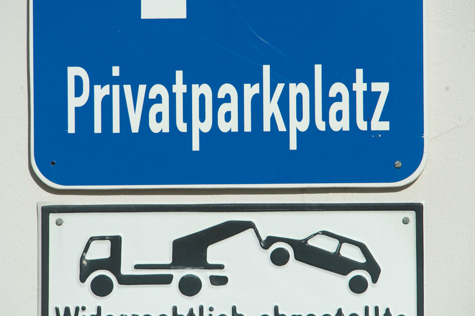 Vor dem Amtsgericht Döbeln musste sich ein Döbelner verantworten, der eine Autofahrerin genötigt haben soll, weil sie auf einem privaten Parkplatz stand.