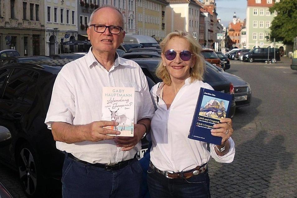 Gaby Hauptmann und Joachim Otto auf dem Obermarkt.