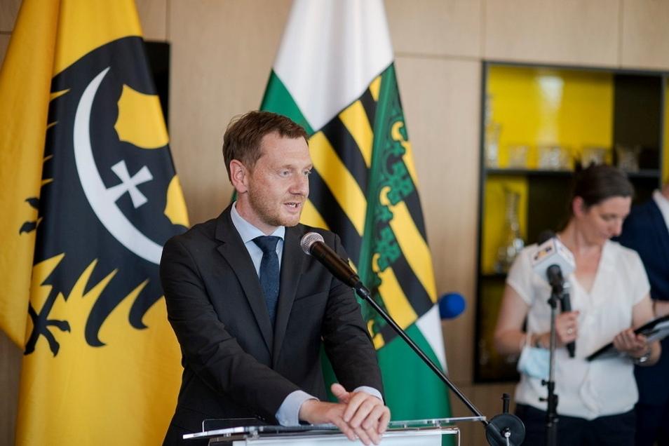 Sachsens Ministerpräsident Michael Kretschmer bei der Eröffnung des Regionalbüros von Niederschlesien in Dresden. Foto: SSK/Pawel Sosnowski