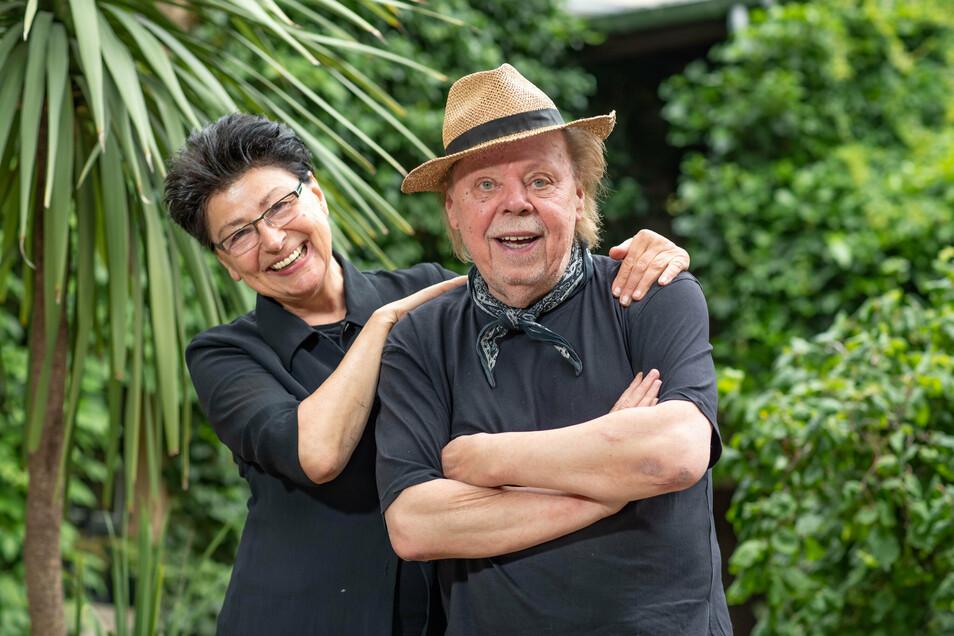 Sänger Eberhard Henn und seine Frau Regine haben die weite Welt gesehen, bevor sie aufs Land zogen.