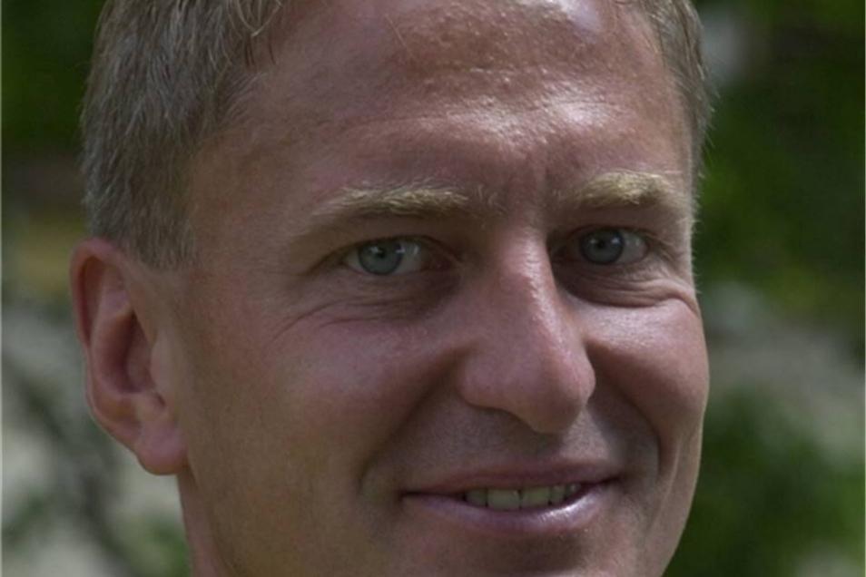 Steffen Heidrich Dynamo von 2001 bis 2005 Das Gesicht der Wiederauferstehung aus den Niederungen des Fußballs. Führte die Mannschaft von der viertklassigen Oberliga bis in die 2. Bundesliga.