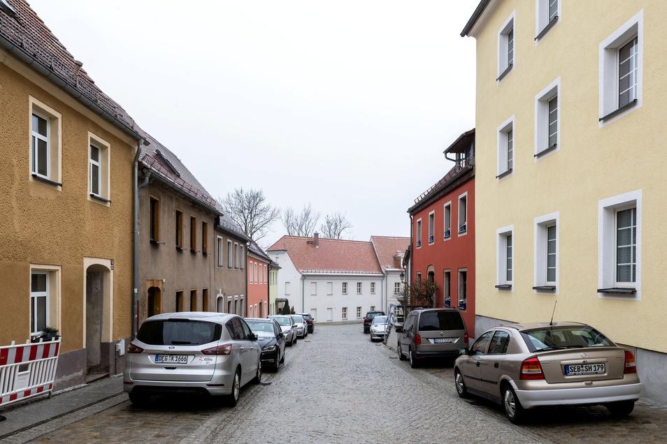 Die Straße Am Hof in Bischofswerda hat im Zuge umfangreicher Bauarbeiten neues Pflaster bekommen.