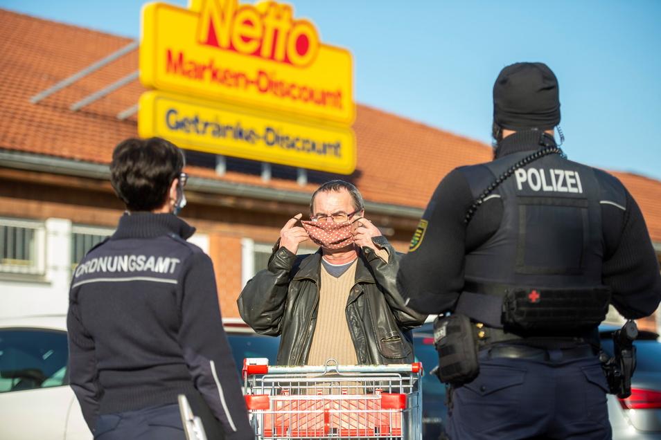 Umstritten: Mitarbeiter des Ordnungsamtes könnten bald immer häufiger die Polizei vor Ort ersetzen.