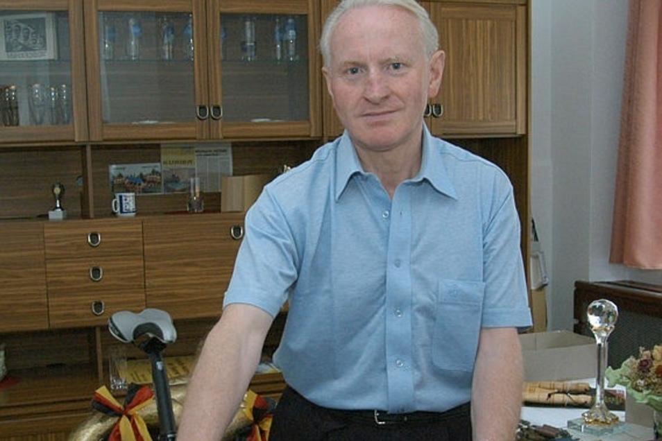 """Jürgen Schmidt organisiert seit Jahrzehnten den Rad-Klassiker """"Rund um die Landeskrone""""."""