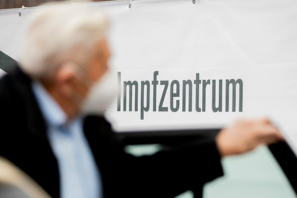Die Stadt Zittau will ein eigenes Impfzentrum einrichten, in dem der Betrieb ab April starten soll.