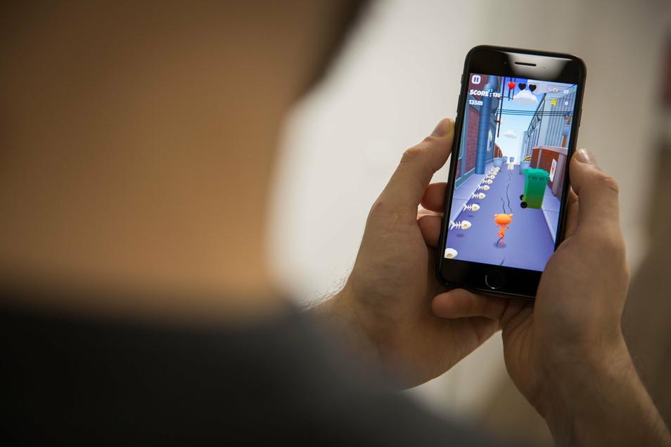 """""""Trashy Cat"""" gehört zu den ersten Handyspielen, die Evomo mit seiner Technik ausgestattet hat."""