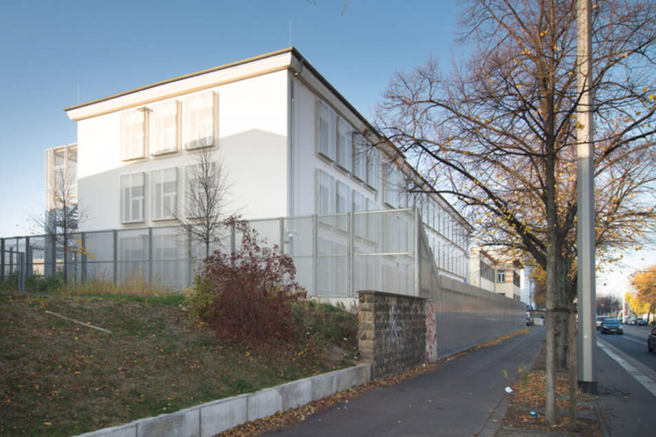 Blick auf das Abschiebegefängnis in Dresden