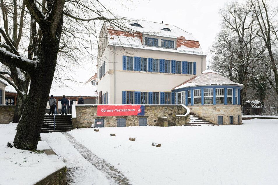 Im Hellerauer Bürgerzentrum Waldschänke haben die Johanniter ein weiteres Corona-Testzentrum eingerichtet.