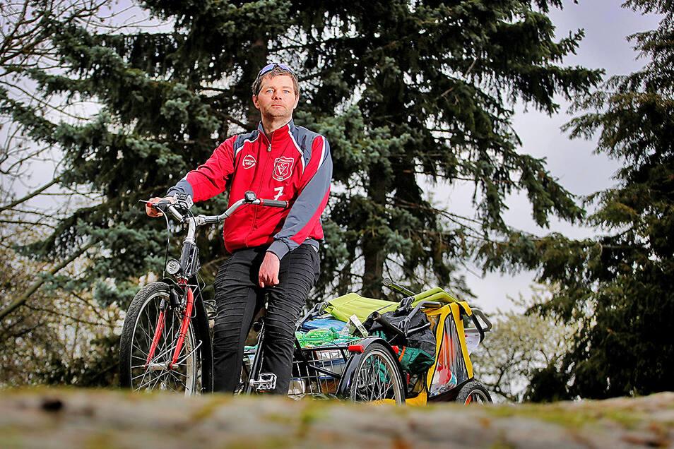 Enrico Wenzel mit seinem Dreirad: Der Anhänger wird nicht mehr dabei sein, wenn er im Sommer seine Deutschland-Tour fortsetzt.