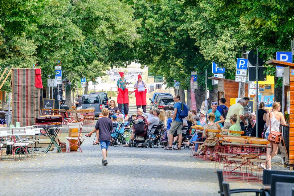 """Bei der Kasperiade ist auch """"Kasper und das Märchenpuzzle"""" vom Figurentheater Cornelia Fritzsche auf der Hauptstraße zu sehen. Foto: Arvid Müller"""