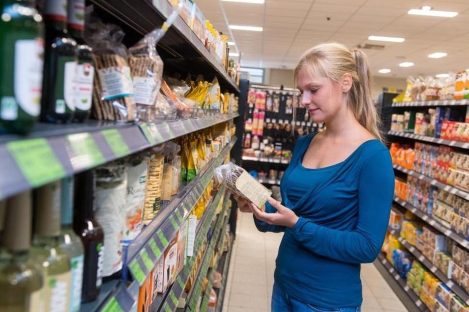 Wer wissen will, welche Süßungsmittel ein Produkt enthält, sollte die Zutatenliste studieren. Foto: Benjamin Nolte