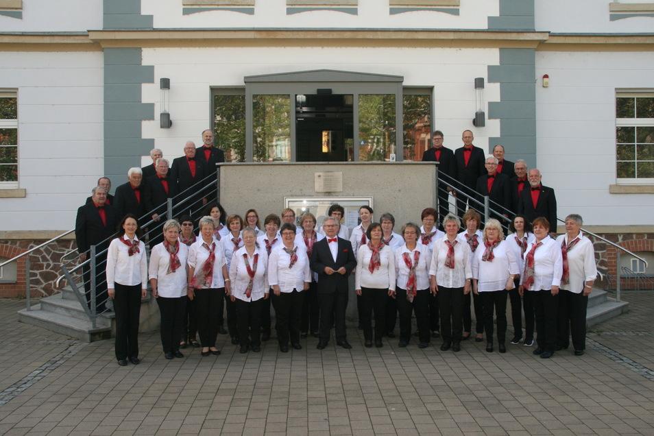 Im Haus am Poppitzer Platz kann der Konzertchor Riesa seit Juni wieder gemeinsam proben. Nun ist auch wieder ein Konzert geplant.