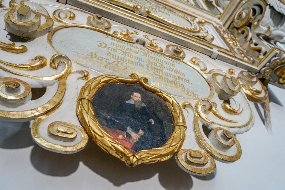 An dieser unteren Kartusche mit dem Bildnis von Gregorius Mättigs hat Restauratorin Uta Matauschek in den letzten Monaten gearbeitet.