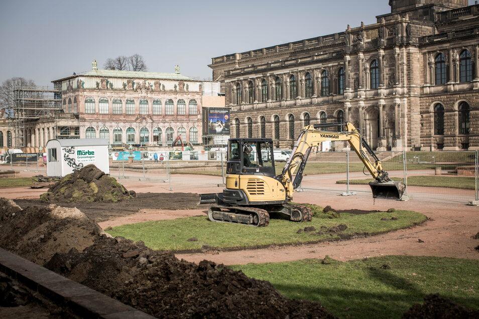 Im Dresdner Zwingerhof haben die archäologischen Grabungen begonnen.