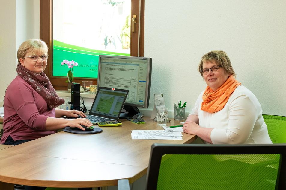 Als Schwerbehinderter Steuern sparen? Damit kennt sich Marika Adamiak (l.) vom Steuerring in Königswartha aus. Seit Jahren berät sie auch Petra Wilde