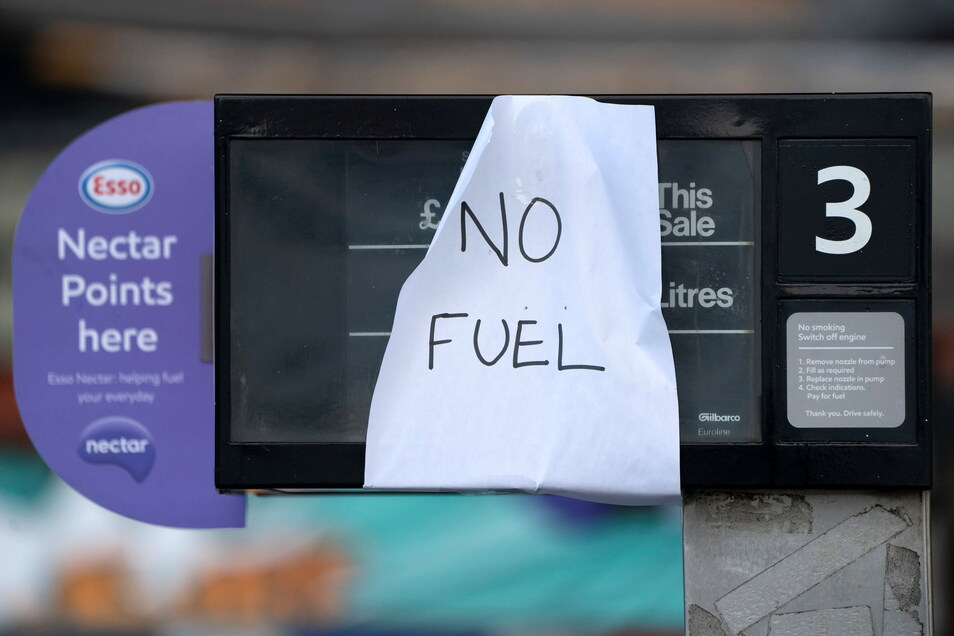 Im Vereinigten Königreich sitzen derzeit viele Tankstellen auf dem Trockenen.