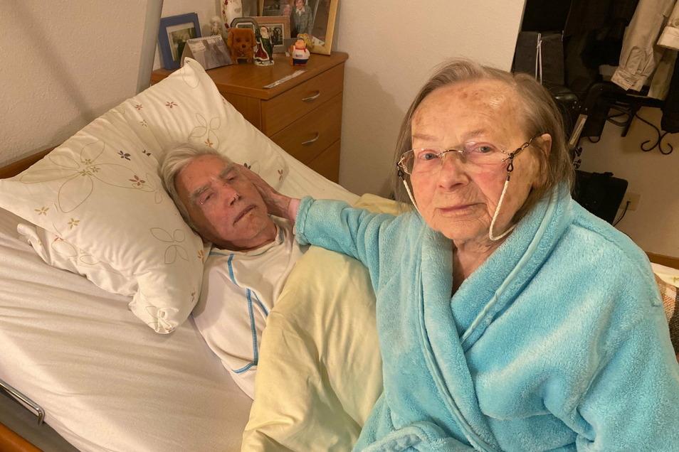 Margarete und Rudolf Oelschlägel sind jetzt sicher vor einer Corona-Infektion. Die beiden 96-Jährigen wurden in dieser Woche in ihrem Dresdner Pflegeheim geimpft.