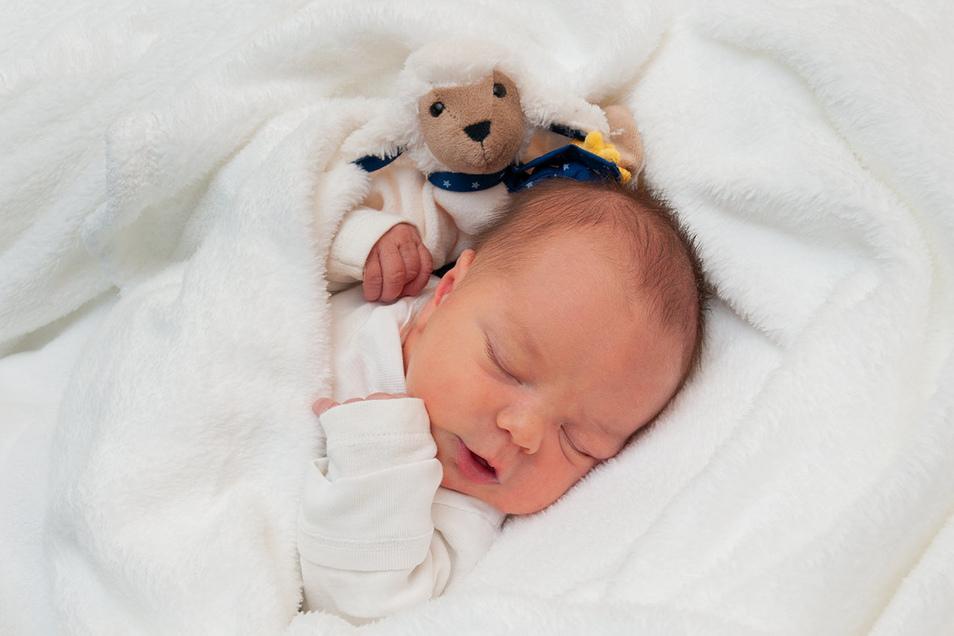 Willi Geboren am 3. Januar Geburtsort Dresden Gewicht 3.350 Gramm Größe 52 Zentimeter Eltern Nicole und Matthias Neubarth Wohnort Milstrich