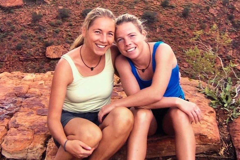 Ivonne (l.) und Doreen Ranisch trennen derzeit 16.000 Kilometer - und wahre Corona-Welten.