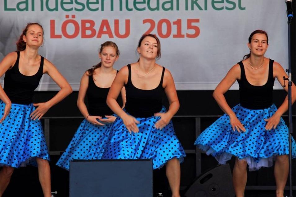 Open Air Bühne an der Blumenhalle - Tanzdarbietungen der Tanzschule Lucke.