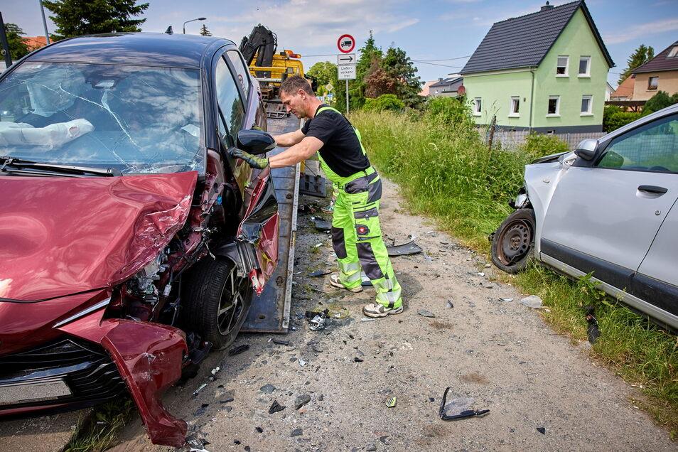 Warum war der rote Toyota auf die Gegenfahrbahn geraten?