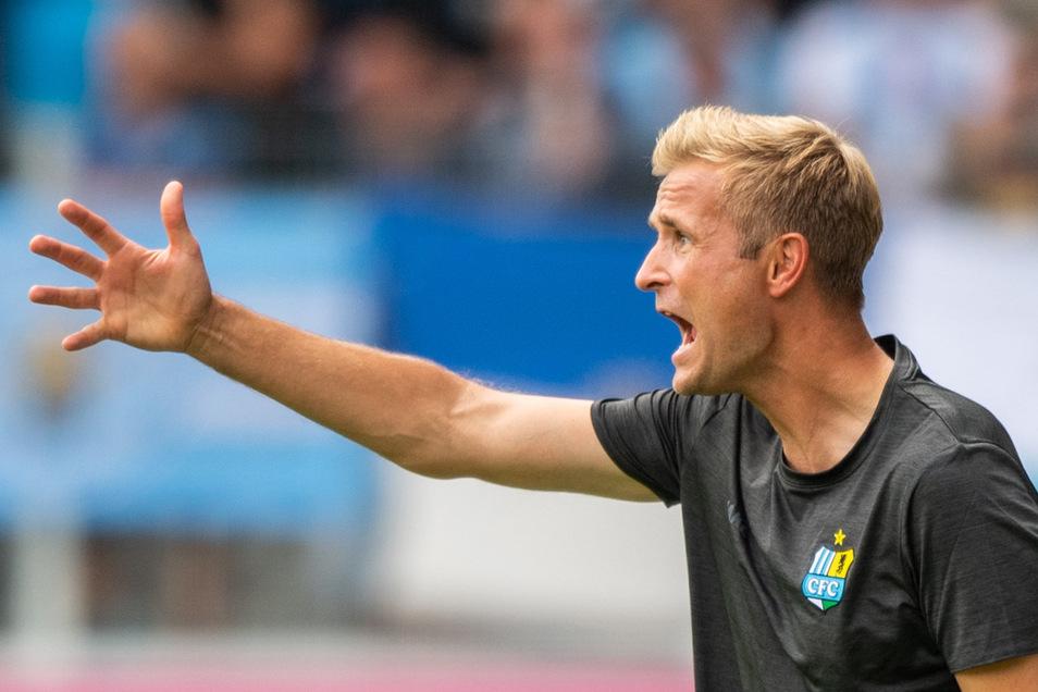 CFC-Trainer David Bergner hat turbulente Tage hinter sich und einen neuen Kapitän: den Abwehrspieler Niklas Hoheneder.