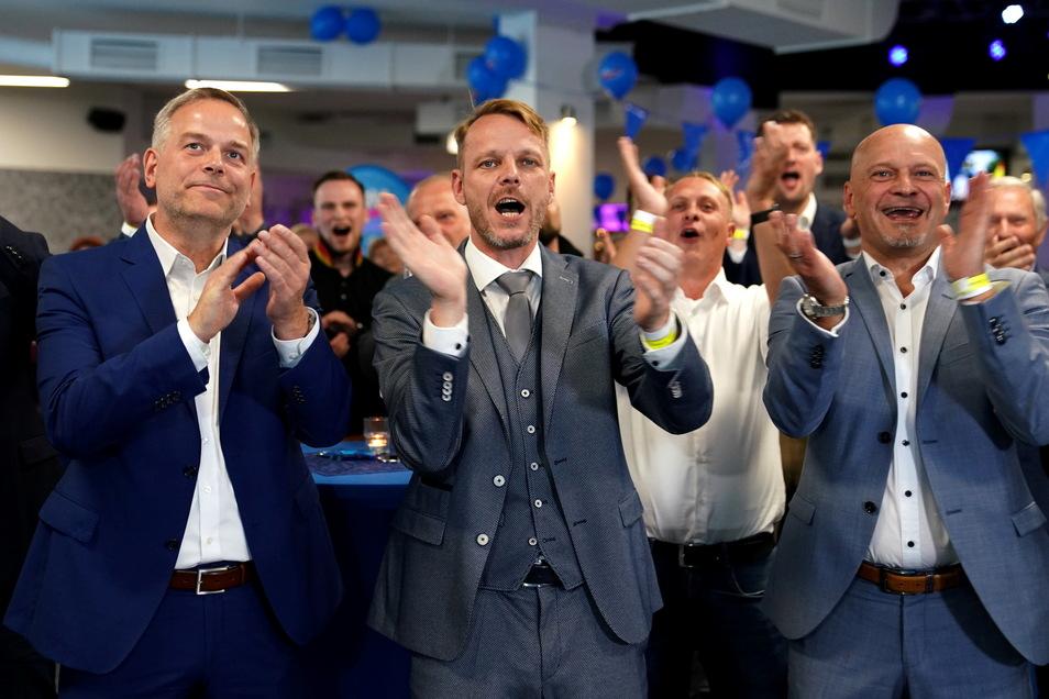 """Im Osten, wie hier in Mecklenburg-Vorpommern, sieht sich die AfD selbst als """"Volkspartei"""". Dass die Partei im Visier des Verfassungsschutzes steht, spielt für die dortigen Anhänger kaum eine Rolle."""