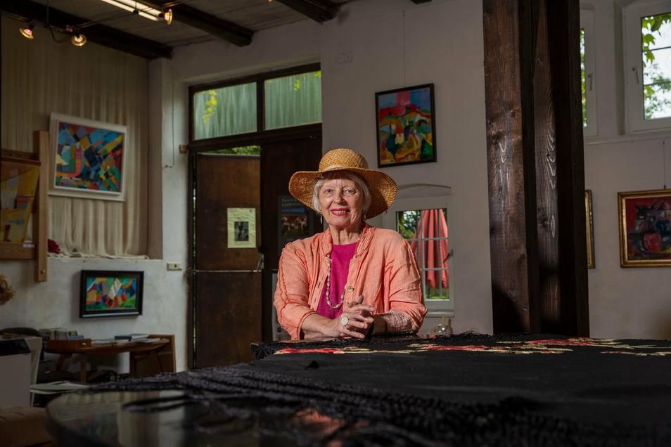 Helga Luzenz hat zu Ehren des Künstlers Hermann Naumann eine ganz besonders Sonderschau zusammengestellt.