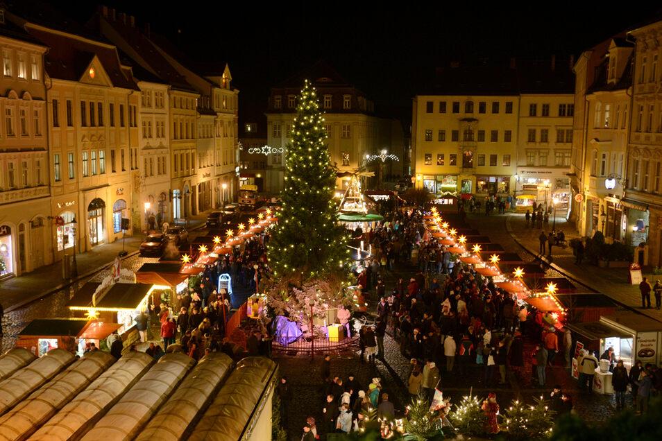 Lichterglanz auf dem Zittauer Weihnachtsmarkt.