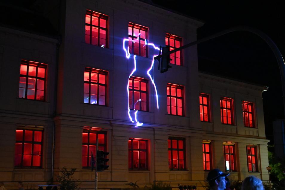 Auch das zentrale Hochschulgebäude an der Ecke Stadtring/Hochwaldstraße wurde illuminiert.
