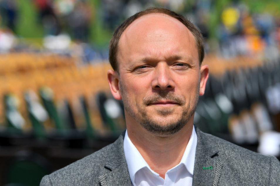 Marco Wanderwitz ist seit Anfang 2020 Beauftragter der Bundesregierung für die neuen Bundesländer. Der gebürtige Sachse arbeitet als Parlamentarischer Staatssekretär im Bundeswirtschaftsministerium.