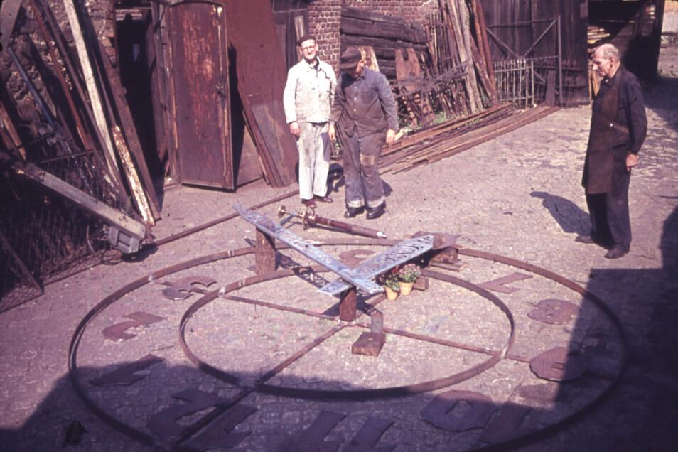 Diese Fotos aus dem Görlitzer Ratsarchiv entstanden in der Zeit des Baus der Blumenuhr 1960.