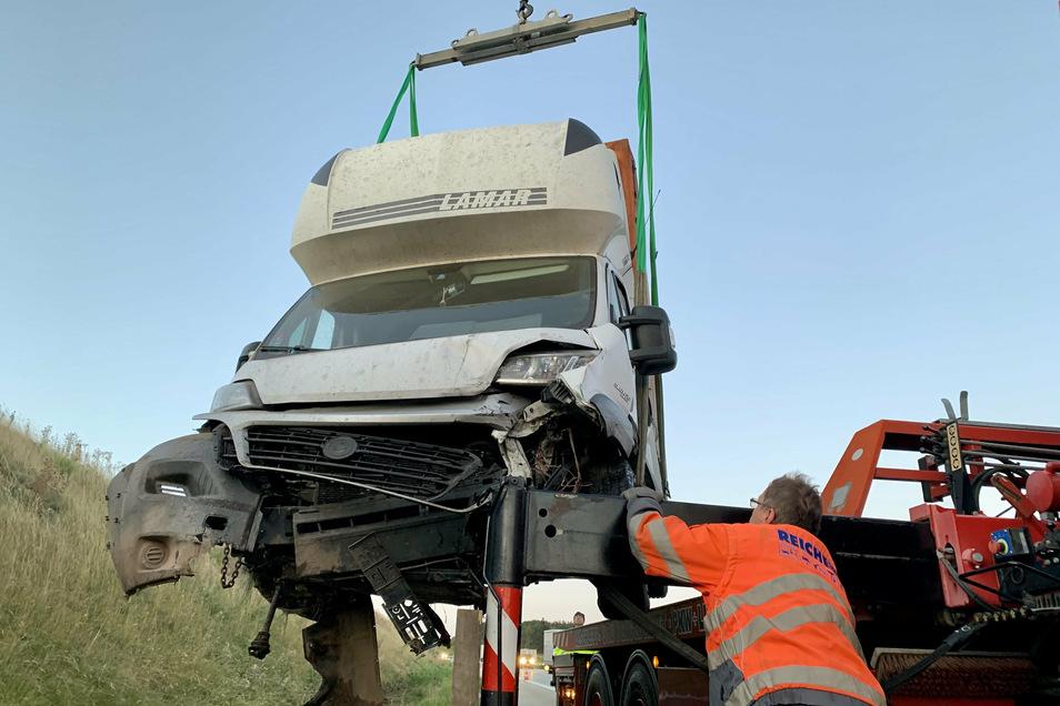 Der Transporter war fahruntüchtig und musste geborgen werden.