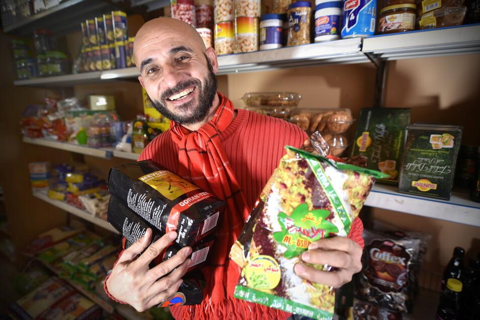Omar Elmuhamad in seinem Lebensmittelladen am Zittauer Rathausplatz.