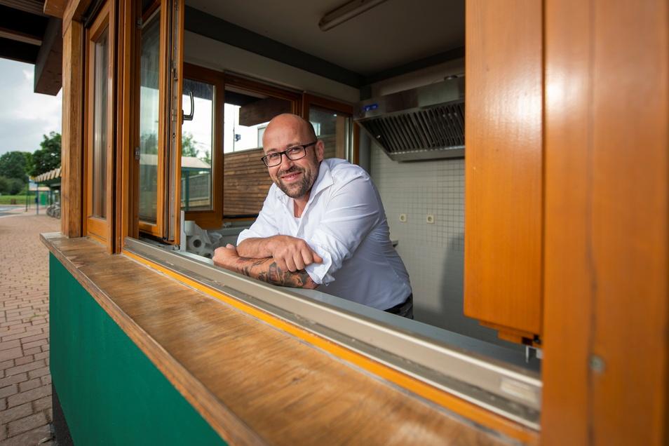 Noch gibt es hier viel zu tun: René Mikat vom Gasthof Großdobritz und dem Reiterstübchen Weinböhla will mit seinem neuen Imbiss-Projekt den Bürgern der Gemeinde Speisen und Getränke bieten.