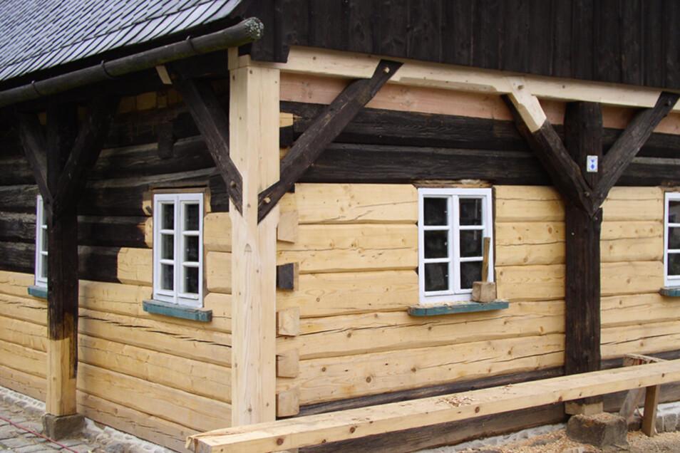 Die Blockbauweise ist ein Merkmal der Umgebindehäuser.