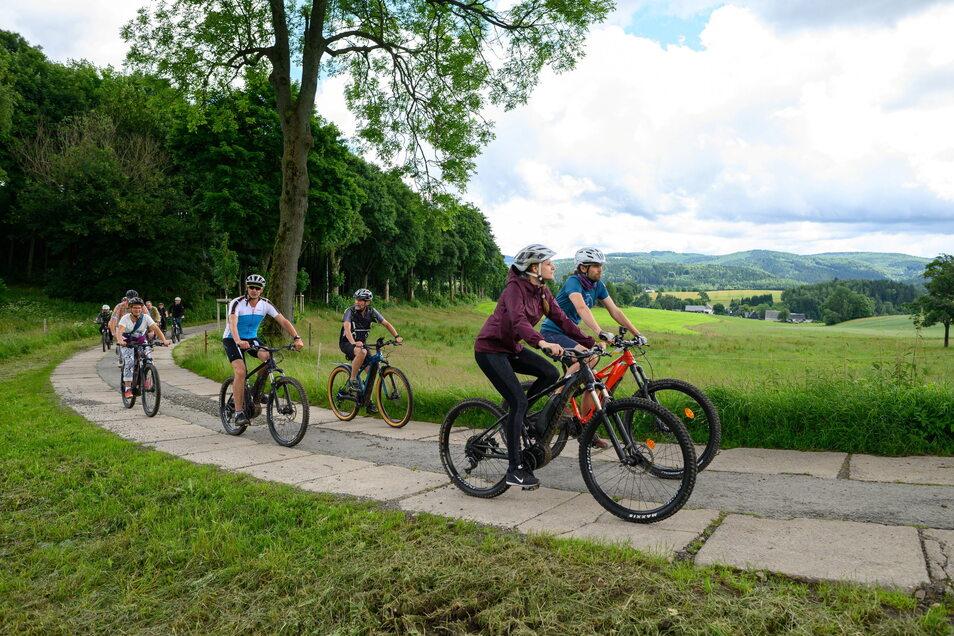 """Mountainbiken, etwa auf der neuen """"Blockline""""-Strecke im Erzgebirge, ist auch in diesem Sommer einer der Gründe, in Sachsen Urlaub zu machen."""