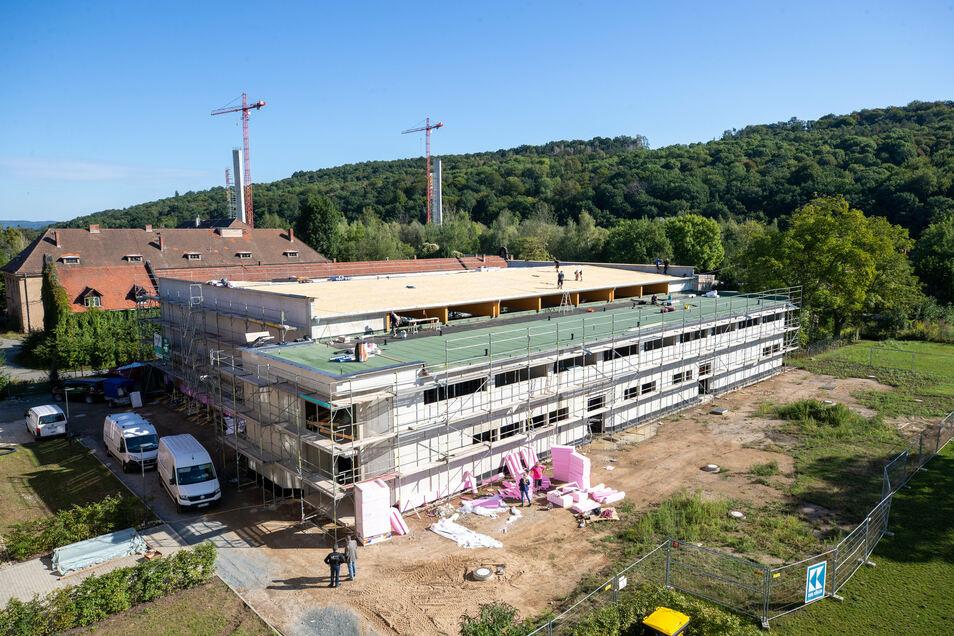 Auf dem Areal des evangelischen Schulzentrums in Pirna wird eine Sporthalle errichtet.