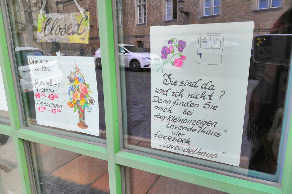 Das Lavendelhaus ist nicht das einzige Geschäft, das auf sein Online-Angebot verweist.