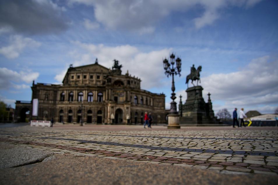 Die Semperoper in Dresden will Schritt für Schritt zur Normalität zurückkehren.