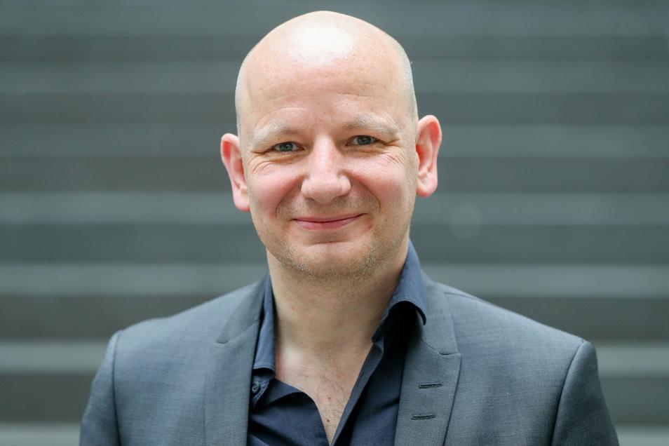 """Oliver Decker hat sich mit """"Autoritarismus-Studien"""" zu rechtsextremen Gesinnungen deutschlandweit einen Namen gemacht. Künftig leiter in Leipzig das neue Demokratie-Institut."""