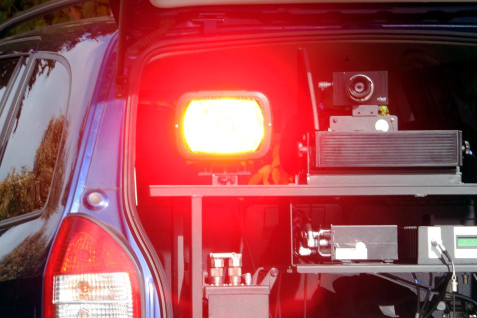 Bei bei einer Geschwindigkeitskontrolle bei Radeberg ertappte die Polizei zahlreiche Raser.