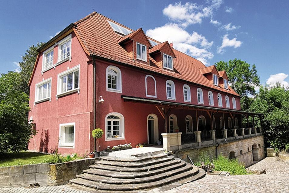 Wohnhaus, ehem. Herrenhaus eines Rittergutes in Wilsdruff / Mindestgebot 698.000 Euro
