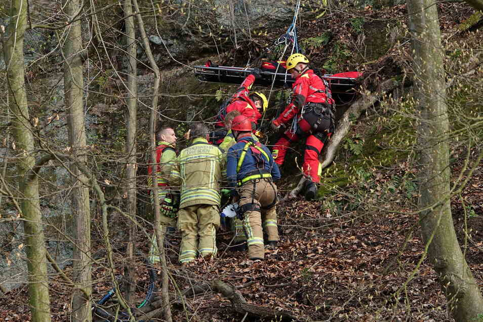 In Freital mussten zwei abgestürzte Radfahrer gerettet werden.