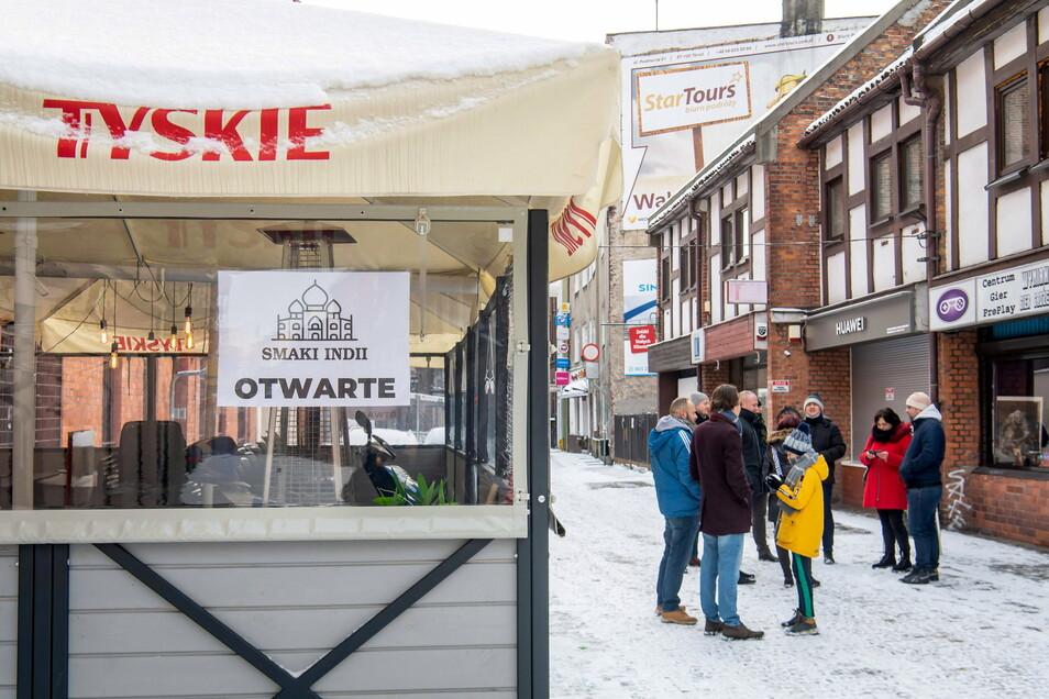 Eigentlich dürften Gastronomie-Betriebe in Polen ihre Speisen und Getränke nur außer Haus anbieten.