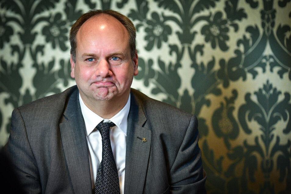 Oberbürgermeister Dirk Hilbert (FDP) hat seinen Vorschlag für den Finanzplan 2021/2022 eingebracht.