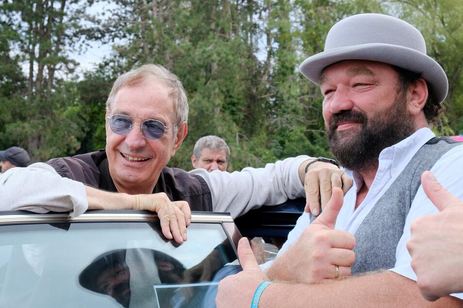 Musiker Guido de Angelis am Wochenende mit einem Bud-Spencer-Double beim Besuch des Spencer-Hill-Fantreffens in Lomatzsch.