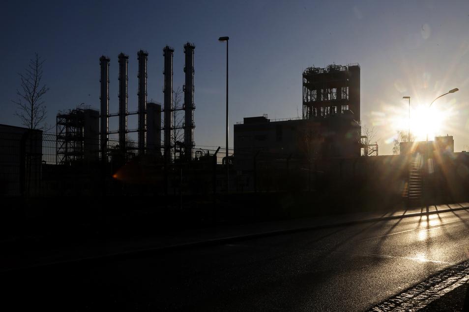 Noch herrscht keine Sonnenuntergangsstimmung bei Wacker in Nünchritz. Damit das so bleibt, hat der Chemiekonzern reagiert.