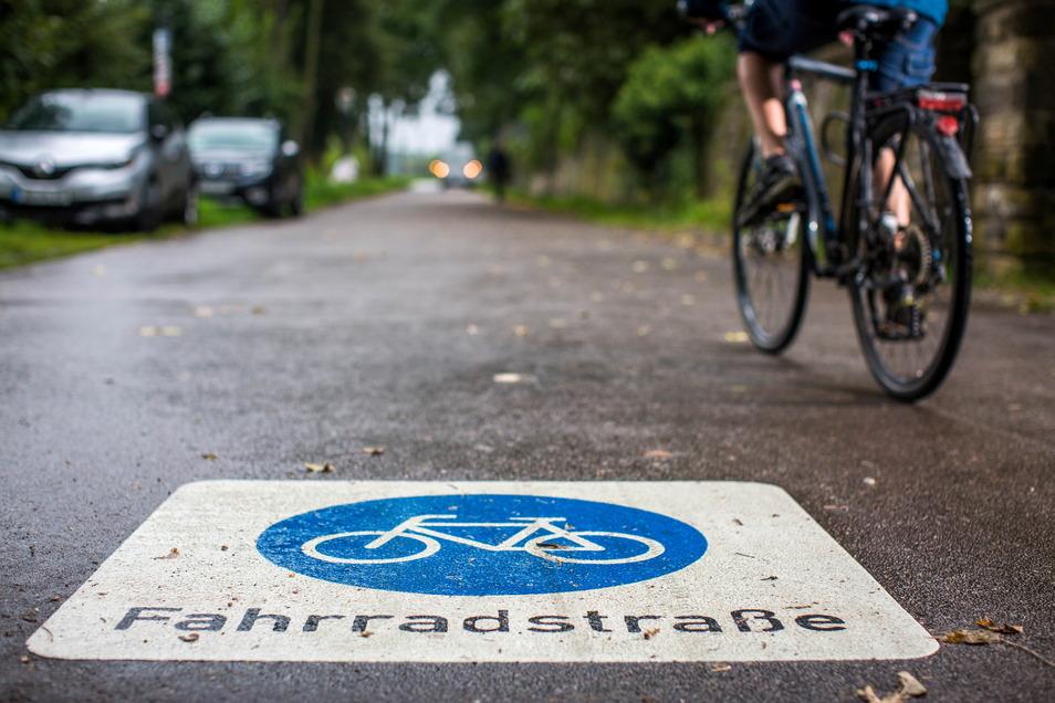 Freie Fahrt: Am Freitag ist Dresdens erste Fahrradstraße freigegeben worden.