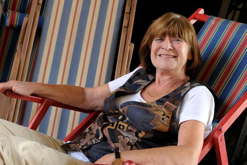 """Susanne Schneider, ebenfalls 1946 geboren. Sie gehörte dem ersten Jahrgang der """"R-Klasse"""" an der Görlitzer Annenschule an. Die damalige """"Russisch-Schülerin"""" und wurde später Russischlehrerin."""
